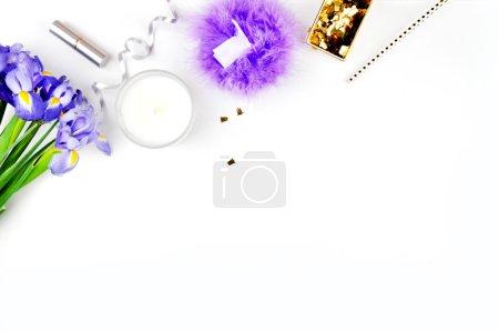 Woman desk, header site, féminin, accessoires dorés, maquette