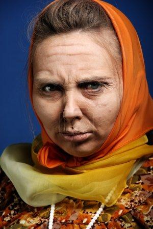 Photo pour Vieille dame maquillage - image libre de droit