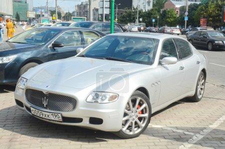 Maserati on the road Metallic
