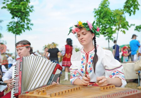 Psaltery and Russian accordion.