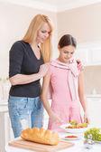 Matka a dcera vaření salát