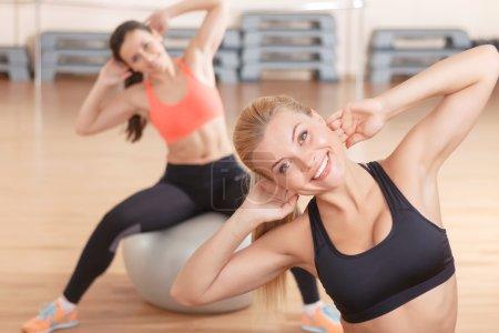 Women dong stretching