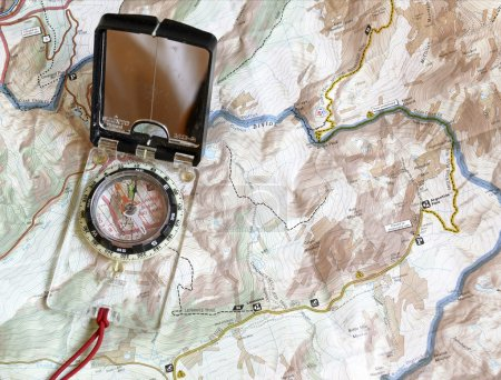 Navigating with compass with map