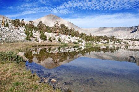 Photo pour Paysage alpin dans la Sierra Nevada, Californie - image libre de droit