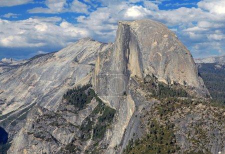 Photo pour Monolithe de granit, Demi Dôme, Parc National de Yosemite, Californie, USA - image libre de droit