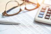 Brýle s Kalkulačka a obchodní doklady
