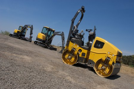 Industrial machines, roller and diggers, construct...