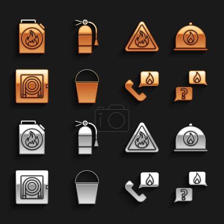 Illustration pour Set seau d'incendie, casque de pompier, téléphone avec appel d'urgence 911, téléphone, armoire à tuyau, triangle de flamme, boîte pour liquides inflammables et icône de l'extincteur. Vecteur - image libre de droit