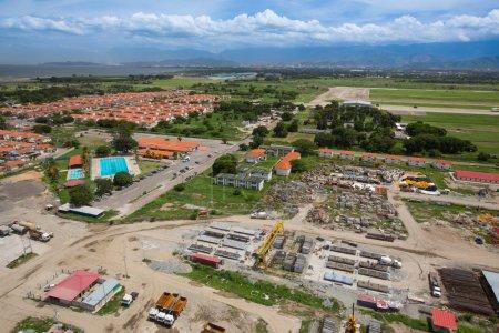 Photo pour Vue aérienne du chantier de construction d'un quartier résidentiel au Venezuela - image libre de droit