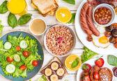 Různé typy snídaně nebo svačina