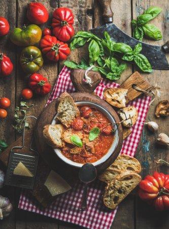 Italian roasted tomato and garlic soup