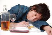 Mladí Japonci muž opilý příliš mnoho