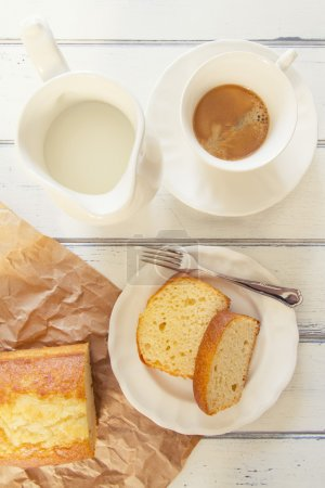 Breakfast: coffee, milk and pound cake