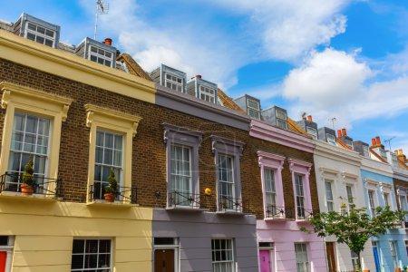 Photo pour Maisons en rangée colorés de Camden, Londres, Royaume-Uni - image libre de droit
