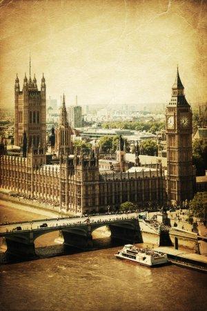 Photo pour Photo de style vintage de London avec le Big Ben et le Palais de Westminster - image libre de droit