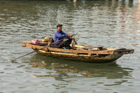 Traders in traditional boat