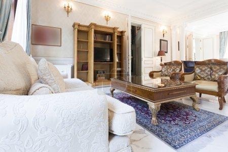 Photo pour Intérieur de maison de luxe - image libre de droit