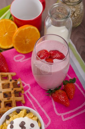 Photo for Strawberry smoothie and corn flakes, healthy breakfast - Royalty Free Image