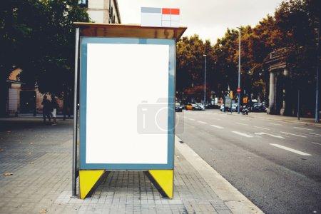 Photo pour Lumineux blanc anglo-saxon avec l'espace de la copie pour votre message texte ou de contenu promotionnel - image libre de droit