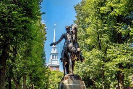 Estatua de Paul Revere en Boston, Massachusetts