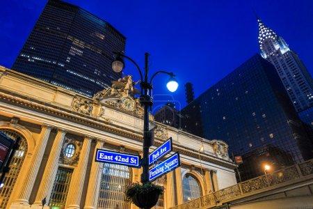 Photo pour Façade du Grand Central Terminal au crépuscule à New York, États-Unis - image libre de droit