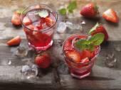 Letní jahodový nápoj