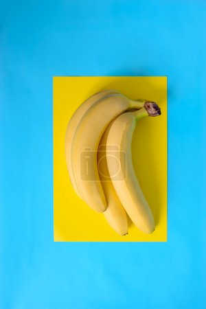 Foto de Racimo de bananos violación amarillo - Imagen libre de derechos