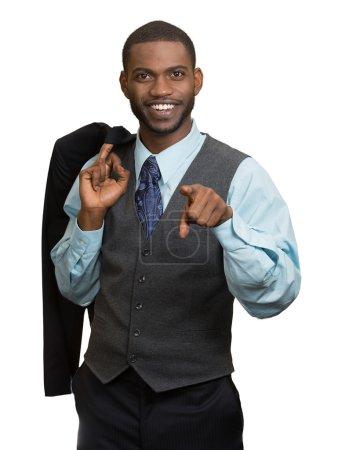 Photo pour Confiance, charisme, excellence. Gros plan portrait joyeux jeune homme en costume complet, pointant du doigt vous regardant caméra isolé fond blanc. Expression du visage humain, émotion, langage corporel - image libre de droit