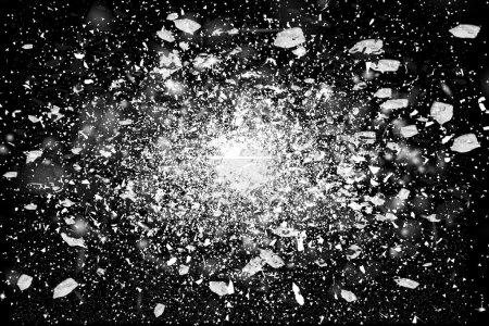 Figer le mouvement de l'explosion de la poudre blanche