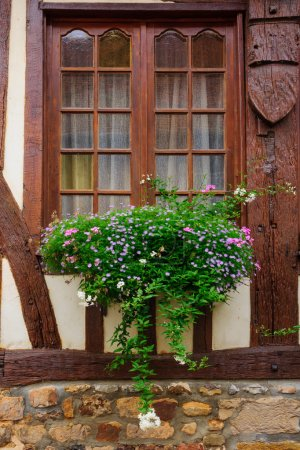 Typical window, Orbec