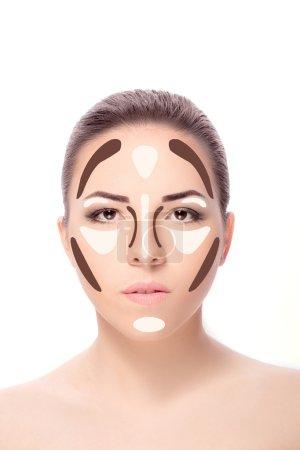 Photo pour Contouring.Make visage de femme. Contour et maquillage surligné. Professionnel Contouring visage échantillon de maquillage - image libre de droit