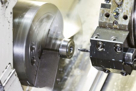 Turning automotive part by cnc lathe