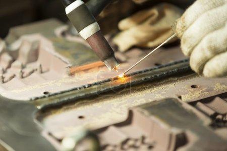 Welding work by TIG welding