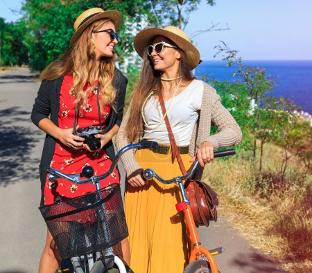 hipster girls have perfect free day