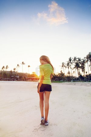 blonde girl posing at sunset in California