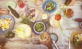 Přátel společně na večeři