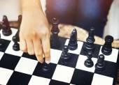 Někdo hraje šachy