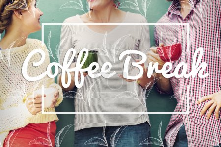 amis, bavarder et de boire du café