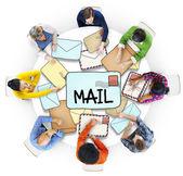 Lidé s konceptem, Mail