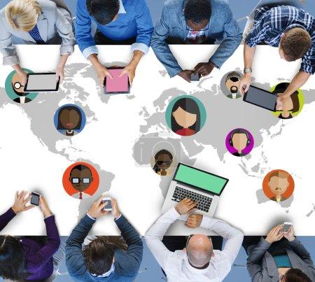 Photo pour Concept de communauté mondiale monde gens nationalité internationale - image libre de droit