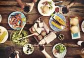 Výborné jídlo na stole