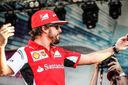 Selfie Fernando Alonso at the autograph session.