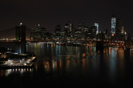 Photo pour Brooklyn Bridge, le célèbre pont relier Manhattan et Brooklyn emprunte. New York City, États-Unis d'Amérique - image libre de droit