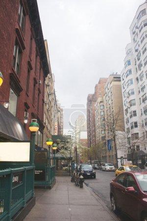 Photo pour Rue de Midtown Manhattan - image libre de droit