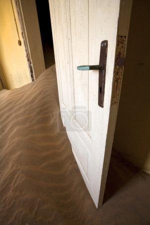Kolmanskop pueblo fantasma, desierto de Namib