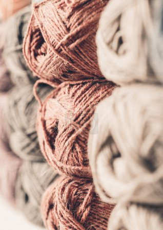 Clew of yarn for knitting