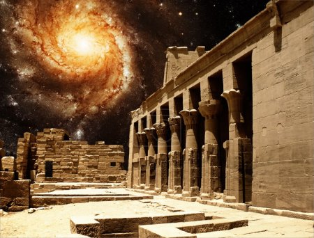 Colonnade dans le Temple d'Isis à Philae et le Galax Pinwheel