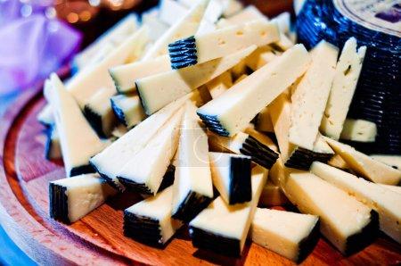 toskanischer Pecorino aus der schwarzen Kruste, typisch italienischer Käse