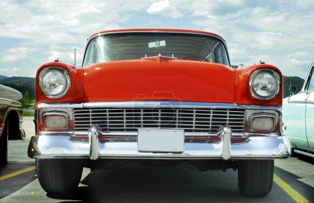 Photo pour Photo horizontale d'un wagon de nomad 1956 chevrolet - image libre de droit