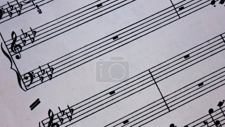 Piano musical staff